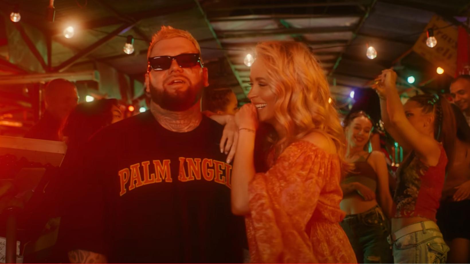 Dominika Mirgová s raperom Kali naspievali horúci letný hit práve na Trhovisku Miletičová